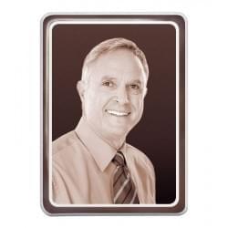 Prostokątna fotografia na nagrobek w sepii z platynowym paskiem